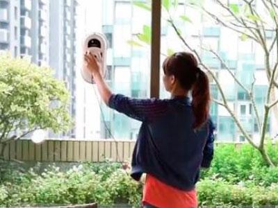 робот для мытья стекол
